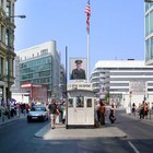Checkpoint Charlie photo (2)